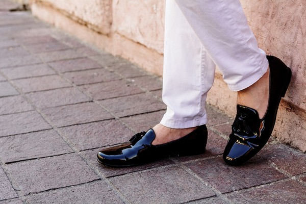 Black Shoes With Detail
